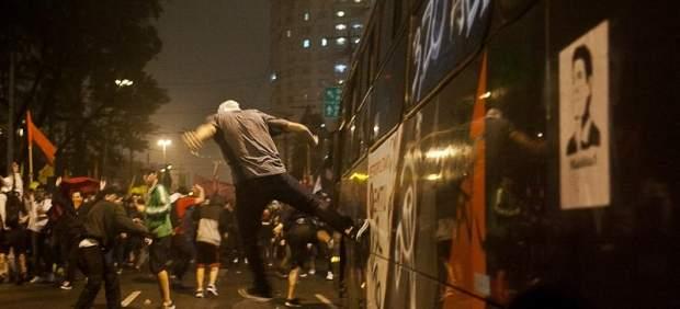 yan-boechat-brazil-protests